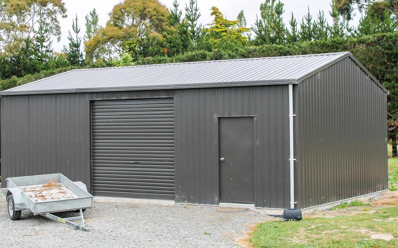 Astounding Garages With Storage Built For Life Totalspan New Zealand Inzonedesignstudio Interior Chair Design Inzonedesignstudiocom
